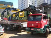Transporte com caminhão munck
